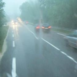 33-retour sous un orage de grêle heureusement dans le car